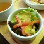 パフェ&レストラン ノエルの樹 - ランチのサラダ♪