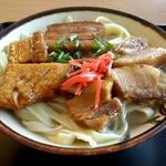 伊豆味ドライブイン - 料理写真:三枚肉そば