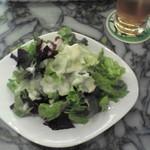 大手町カフェ - ランチのサラダ