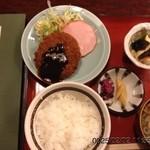 高尾食堂 - 日替わり定食ミンチカツ650円☆