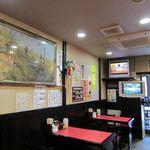 田島家 - テレビの下にマルチカメラ用モニター