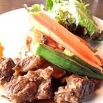 A971 レストラン - ランチ:牛頬肉の煮込みプレート