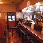 串ぼうず - カウンター10席、お座敷4テーブルあり。20名位の宴会もできます。