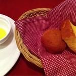 Arumandorino - パンとオリーブオイル