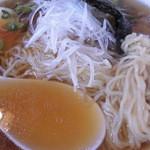 中華清林 - ラーメン 麺&汁アップ