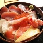 魚料理 大正 - 海鮮ちらし丼