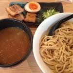 春樹 - 超濃厚魚介とんこつつけ麺(大盛550g)温盛