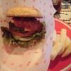ウーズ - 料理写真:サルサチーズバーガー