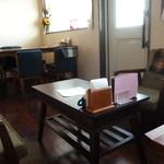 カフェ・ド・スタイル - テーブル席