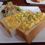 カフェ・ド・スタイル - オープンエッグトースト