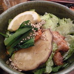 玄三庵 - 下にどかんと玄米ご飯な鶏の甘辛玄米丼