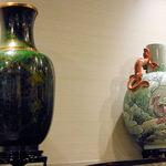 17125380 - 揚州は江蘇省にあるグルメの街。揚州炒飯や揚州点心で有名な街で、准揚料理(上海料理も准揚料理の一つ)の中心地です。景徳鎮らしい花瓶が期待を募らせます。