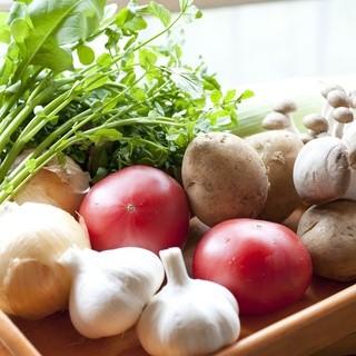 旬の有機野菜と雑穀のハーモニーが楽しめるお店