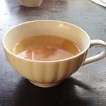 17129594 - スープ                       具はベーコン、タマネギ、ニンジン。おいしい。