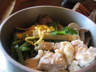 四季彩の月 - 鶏山菜釜めし「あっぷ図」