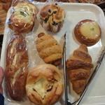 grimm - 料理写真:今回買ったパン達♪