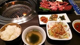 焼肉三松 - 得々焼肉定食1,380円