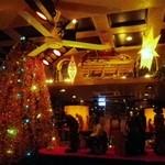 ビレバン - クリスマスの内装に様変わり
