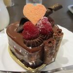 17133608 - 木苺のチョコレートケーキアップ