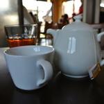 ボンヌ・ジュルネ - 紅茶もポットで