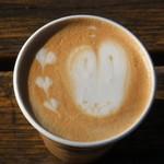 ブルースカイコーヒー - カプチーノ 320円