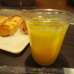 HOKUO - オレンジジュース     230円