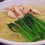 中国料理 青樺楼 - 鳥肉入りそば(鶏糸湯面)2009.6