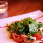 Osteria Bar the passion - 寒ブリの燻製と山芋のサラダ(890円)