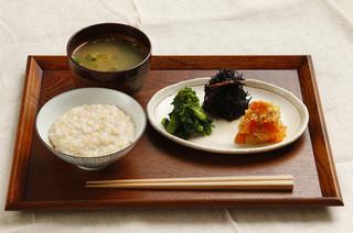 ココカラforest - 玄米粥とおばんざいのセット 1000円