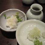 石臼挽き ふるまい蕎麦  ふる井 - つゆと薬味