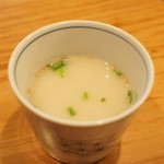 あぶりどり バリ鳥 - 親子丼(¥500)についてるコラーゲンスープ