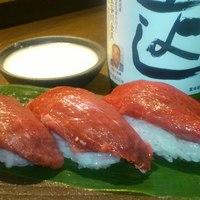 みやこわすれ - 当店名物!「十日町産の天然日本鹿の握り寿司」 癖もなく、お酒とよく合います。