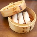 肉汁水餃子 餃包 - 海老蒸し春巻き