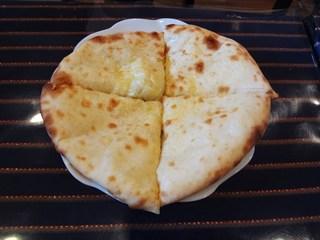 ナマステ 錦糸町店 - チーズナン