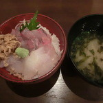 17159239 - 本日の地魚3種丼とあおさ汁