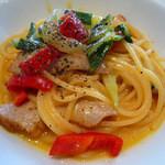 オッティミスタ - 豚トロと大阪うまい菜の白ワイン風味のスパゲッティ