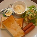 カフェ ら・ら・ら - 料理写真:当店イチ押しのサービスメニューのトーストセットです。珈琲などのお飲み物が付いて、450円です。