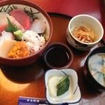おいしいお魚料理のお店 呑 - 海鮮丼¥950