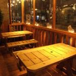 ぼんてん漁港 - 寒い冬でもあったかいテラス席も人気
