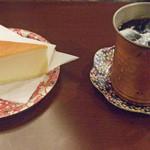 17166205 - ケーキセット(チーズケーキとアイスコーヒー)