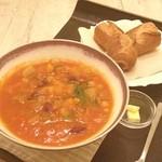 そうげんカフェ - 野菜と豆のミネストローネ(L)とバゲット