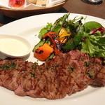 ロティスリー レイ - アンガス牛のステーキ