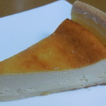パティスリー カプリス - ベイクドチーズケーキ