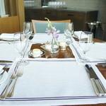 セリーズ by ゴードン・ラムゼイ - テーブルセッティングはこんな感じ。