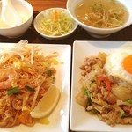 サイアムタイキュイジーヌ - 今日はタイ料理。パッタイANDバジルご飯
