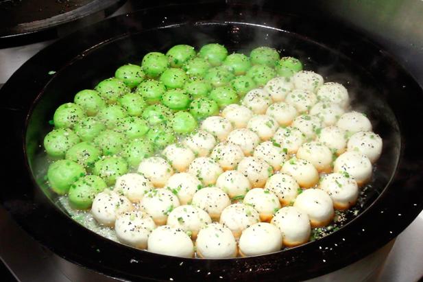 鵬天閣 新館 - 小籠包専門店だから作れる焼き小籠包は本物の味です。