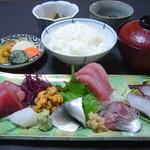 東京遊膳 ひのき亭 - 刺身定食1750円