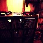 GRILL&BAR SOULWOOD - レコードでいい音を聴きながら...