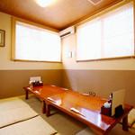 東京遊膳 ひのき亭 - ふすまで仕切れば最大10名様の個室に