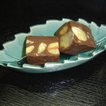 東京遊膳 ひのき亭 - むき栗チョコレート400円